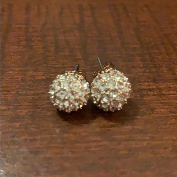 Jewelry - Woman's or teenager's earring